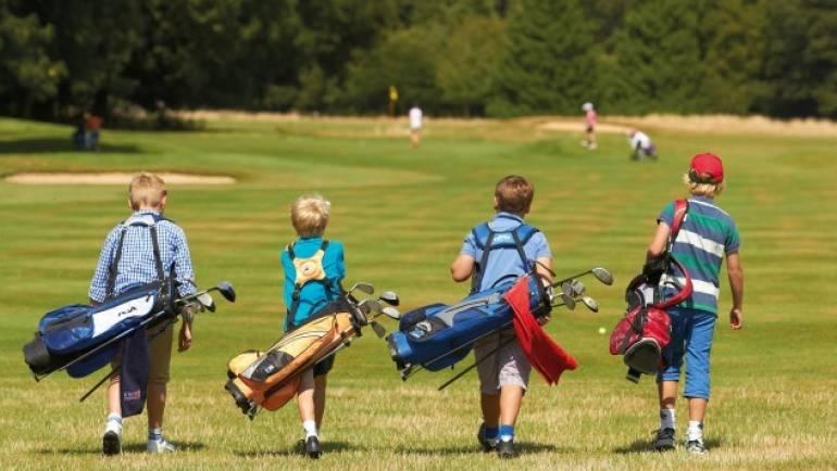 Pfingstferienkurs für Kinder in der Golfschule Gröbenbach