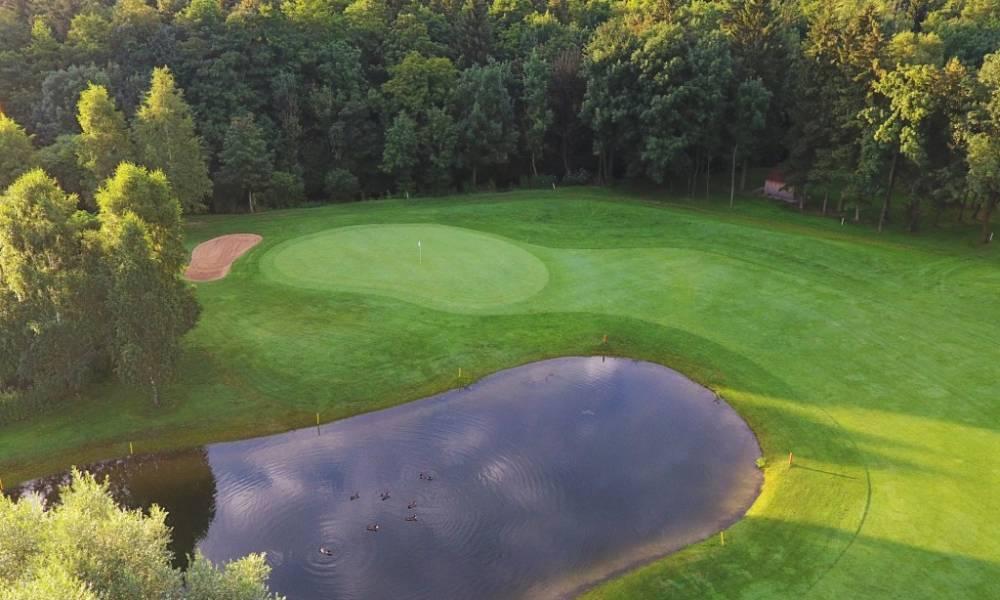 München Golfclub Eschenried Golfplatz Gröbenbach 4-1 k.JPG