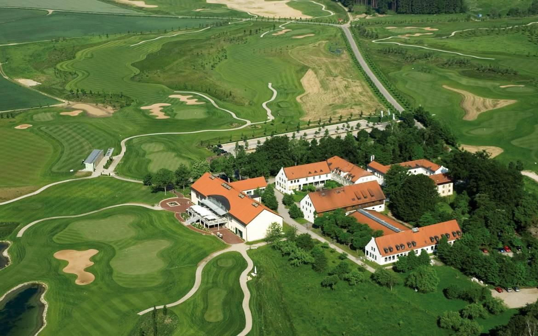 golfpark-guthäusern-clubhaus.jpg